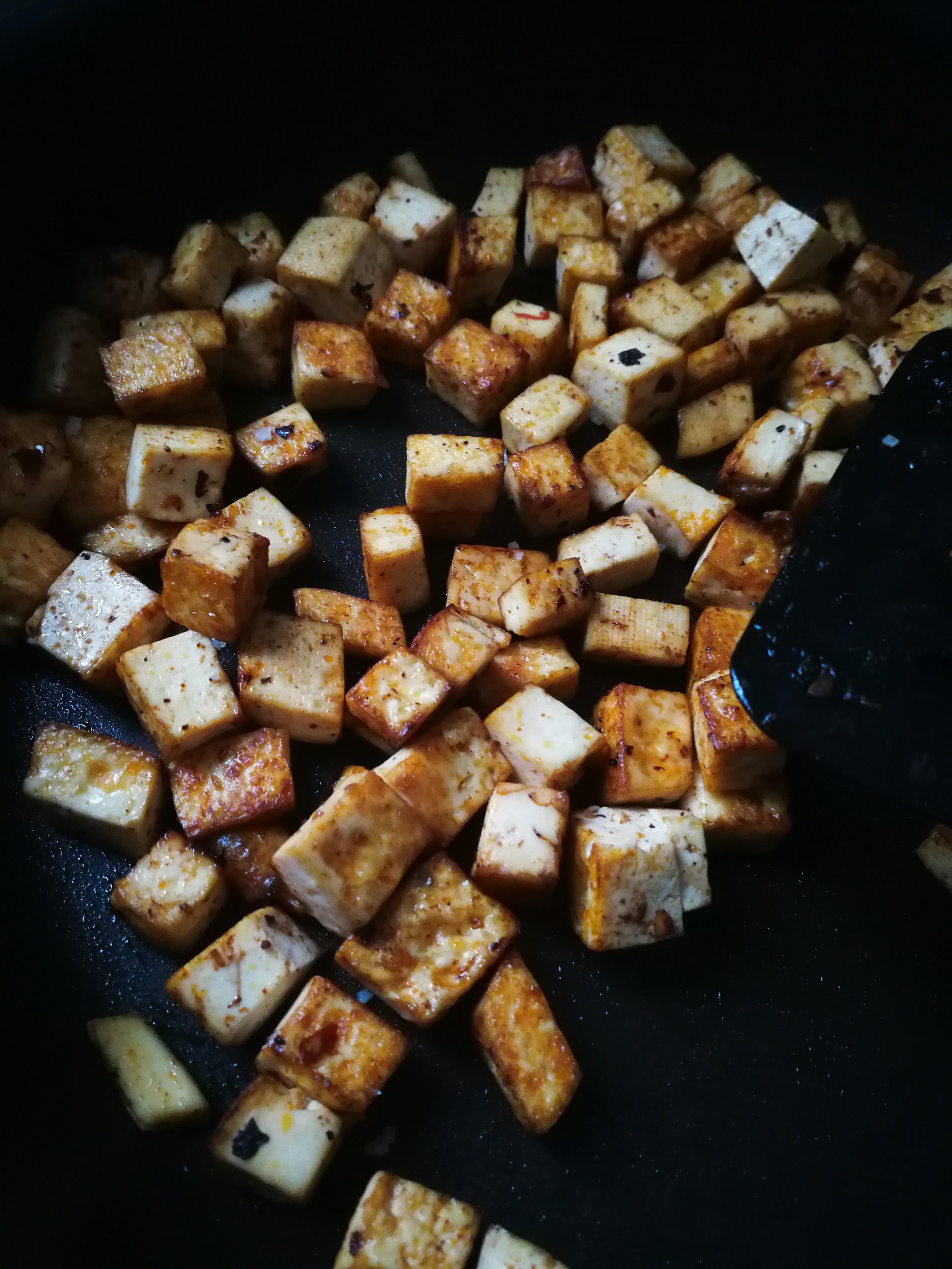 Tofu mariné à la sauce soja salée