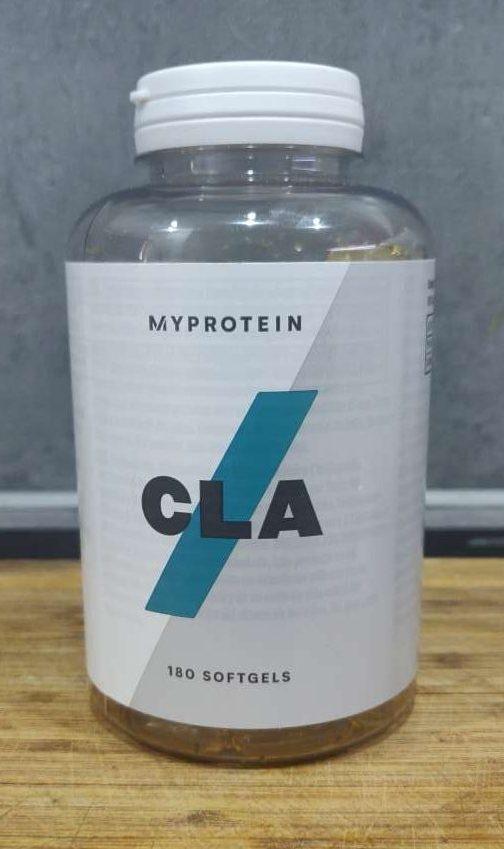 boite de compléments alimentaire myprotein cla