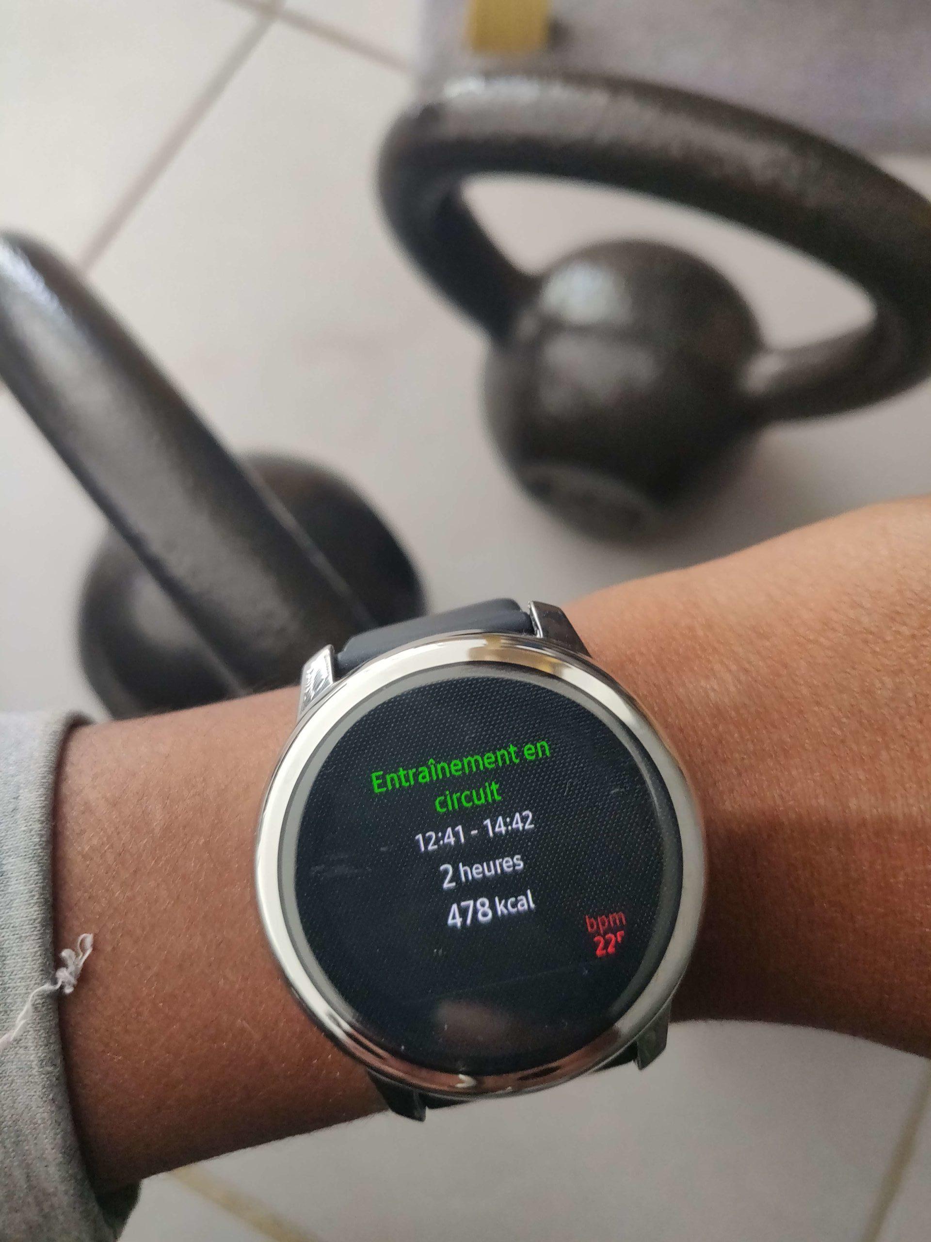 montre connectée samsung active watch avec le détail de mon activité sportive